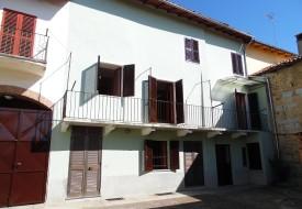 Casa con terreno - Grazzano Badoglio