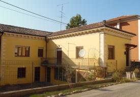 Casa su due livelli - Moncalvo
