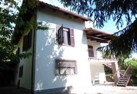 Casa con parco privato - Alfiano Natta