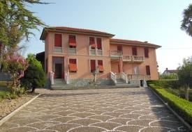 Villa con parco - Grazzano Badoglio