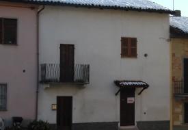 Casa in centro paese - Vignale Monf.