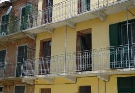 Casa su tre livelli - Calliano