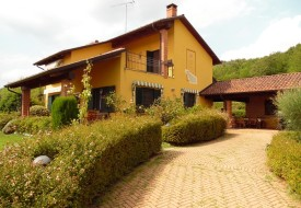 Villa con giardino - Alfiano Natta