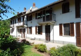 Abitazione e scuderie - Mortara (PV)